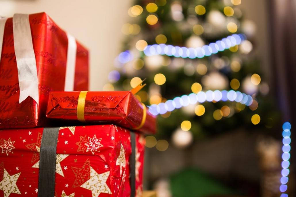 Family Christmas Gifts.10 Family Christmas Gifts Under 30 Vivoo Your Body S Voice